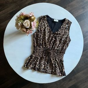 Leopard sleeveless top with cinched waist